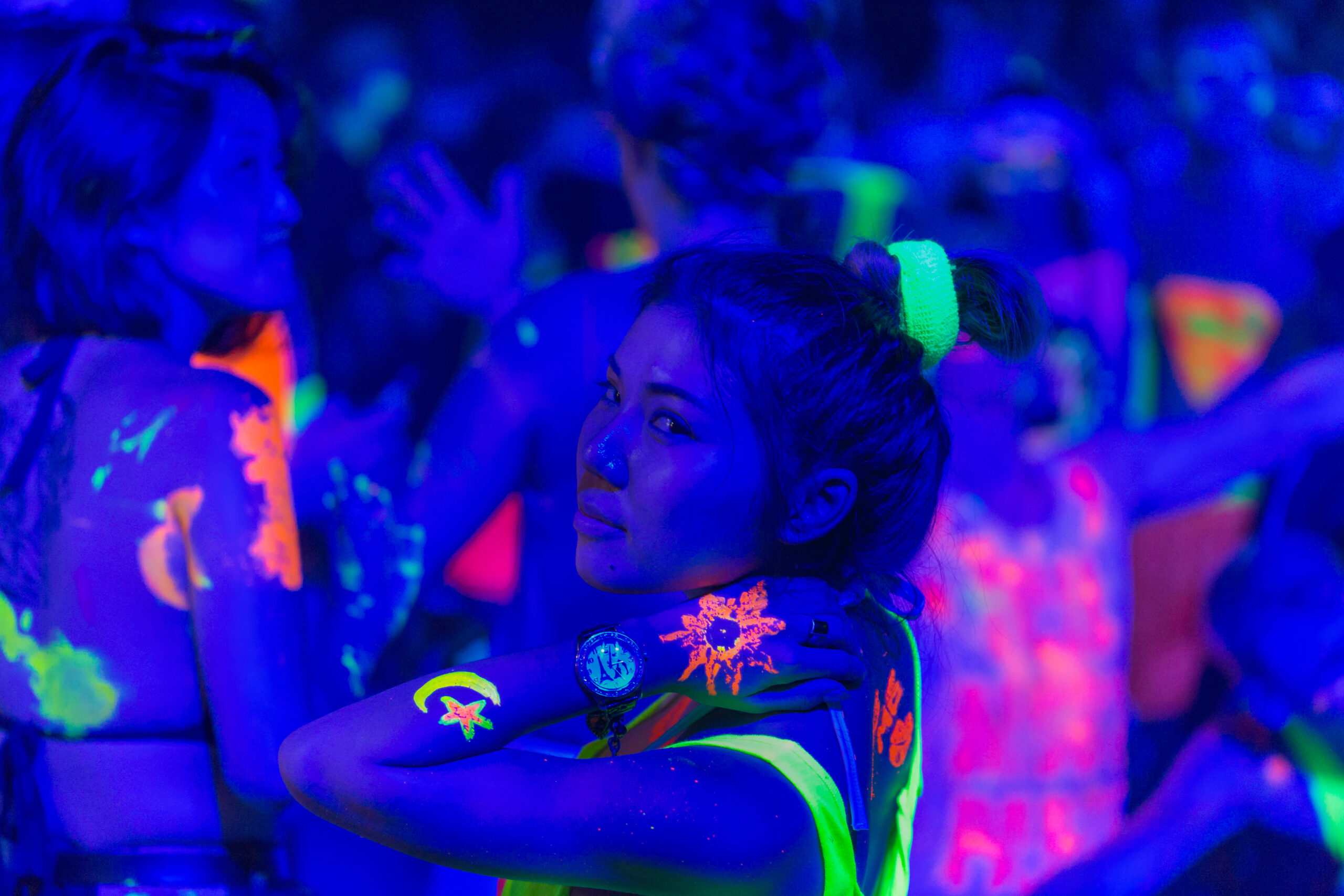 girl at full moon party event